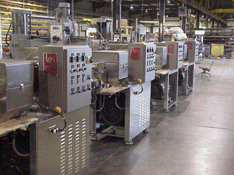 American Extrusion Assembly Line, Advantage Extruders